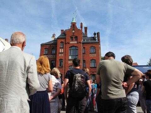 2012-09: Rathaus vom Hof aus