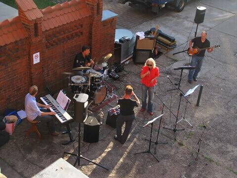 2012-09: Die Jazzband WillHagen auf dem Rathaushof